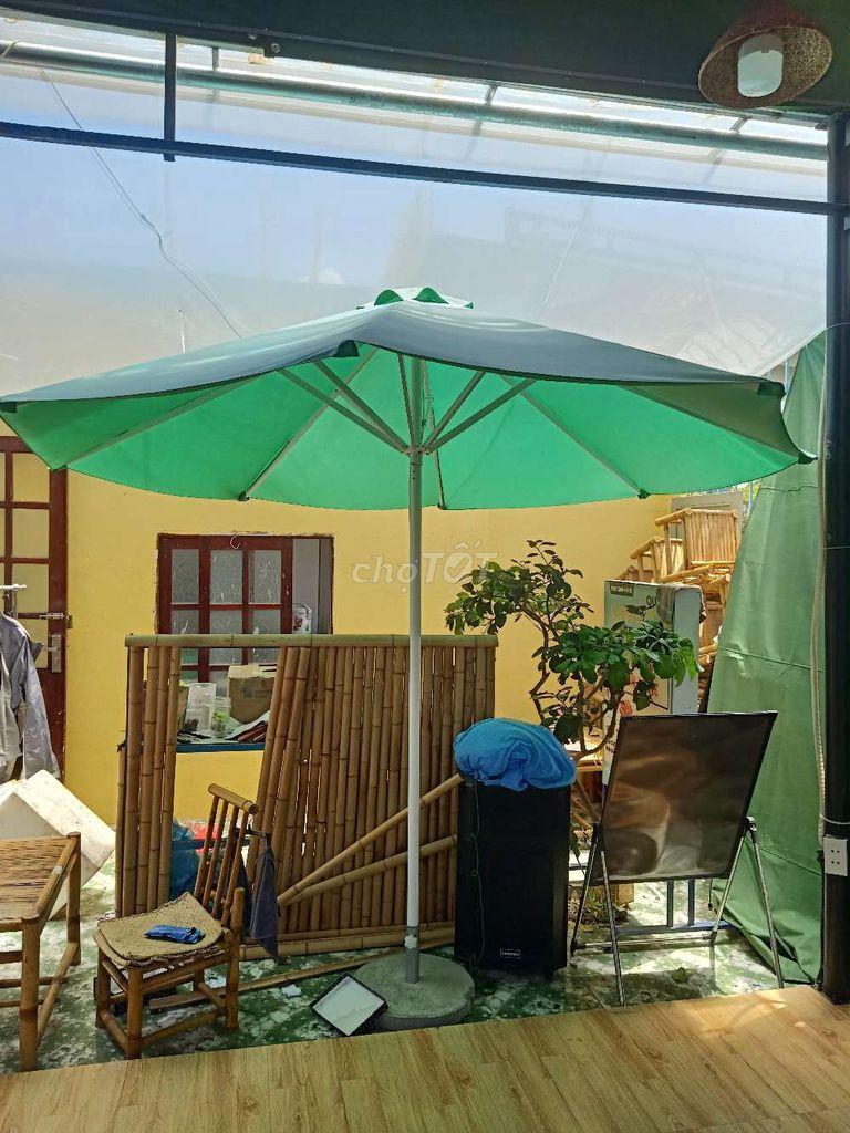 Mình có 4 cây dù như hình mới mua 1 tháng..