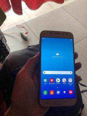 Samsung Galaxy J7 Pro vàng 3/32gb nứt kính xíu