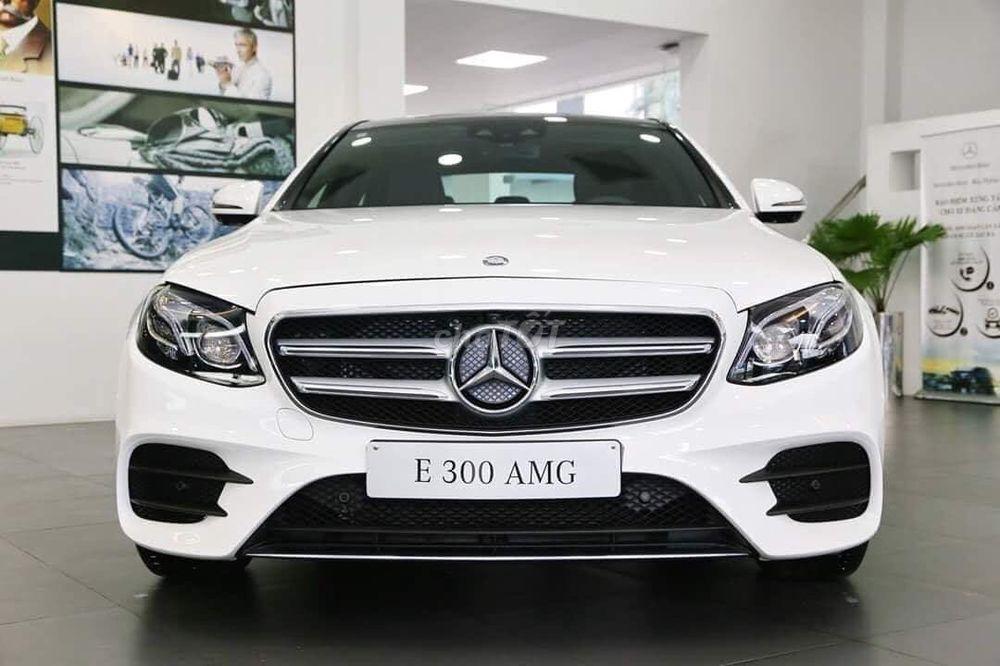 Giá xe Mercedes E300 AMG, ưu đãi 100% trước bạ