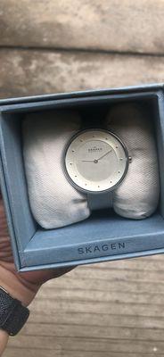 Đồng hồ nữ skagen xách tay chính hãng.