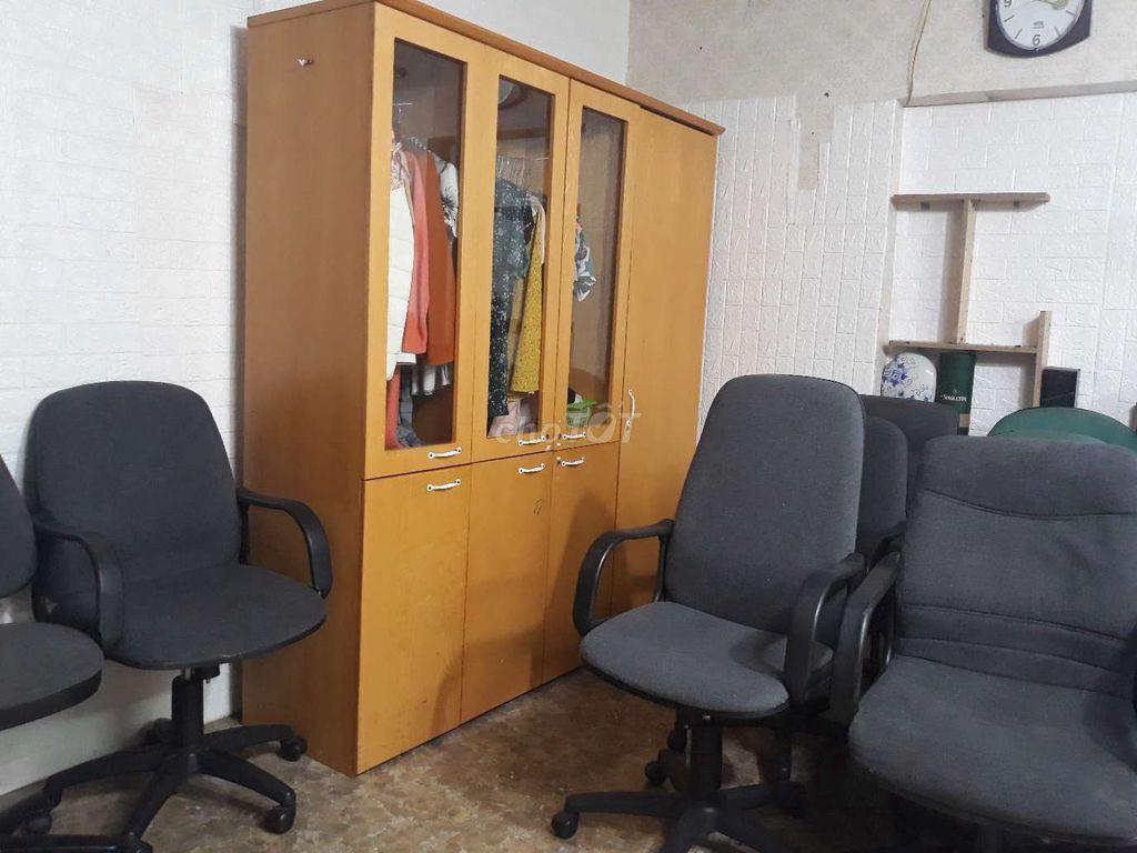 0913512138 - Tủ văn phòng cao 2m rộng 1,8m new 95%, đủ đồ