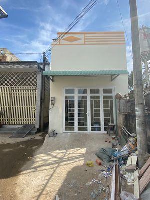 Nhà có thể mở tiệm được giá 800tr SC thổ cư 100%