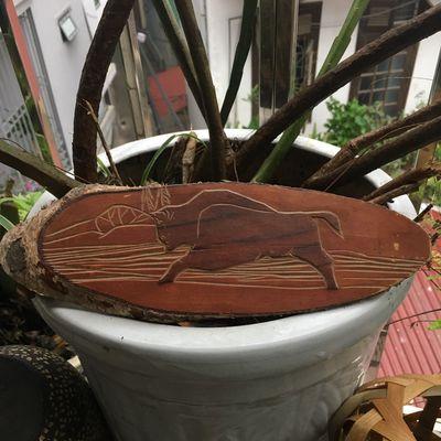 Tranh bò tót khắc gỗ 50 năm CCCP