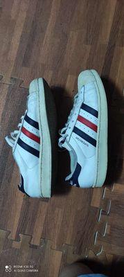 Giầy Adidas trắng