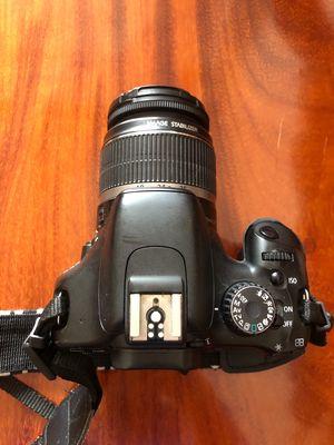Cần bán Canon 550D kèm lens kit máy 90%