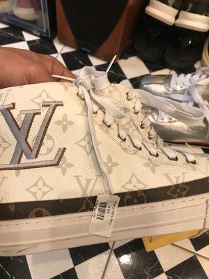 Giày LV da xịn, đẹp, bền, chưa dùng bán lỗ 1/3 giá