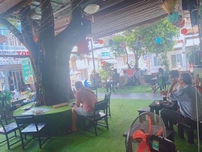 Sang quán coffe 2 mặt tiền