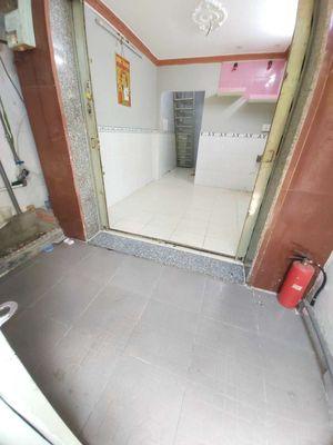 Nhà Đẹp 1 Lầu Hẻm 1/ ĐVB 20m 2WC P16 Q4