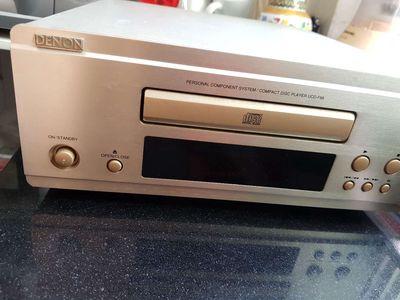 Đầu CD DENON F88